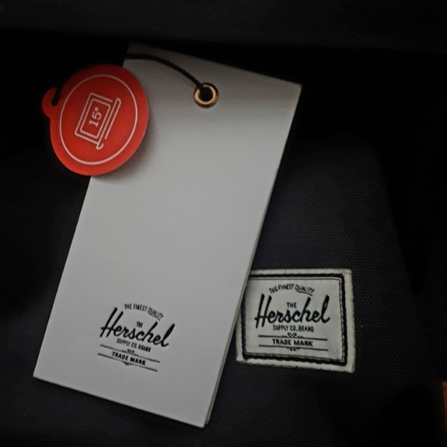 BRAND NEW HERSCHEL HERITAGE BACKPACK WITH TAGS ON