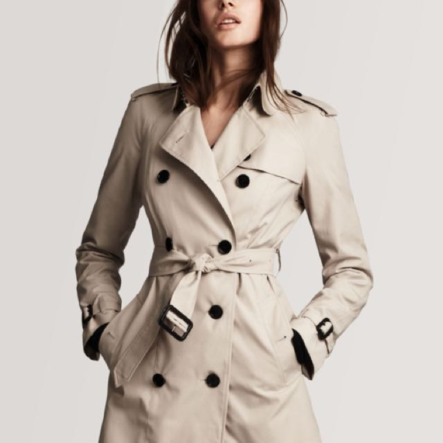 Burberry Short Kensington Trench Coat XS/0