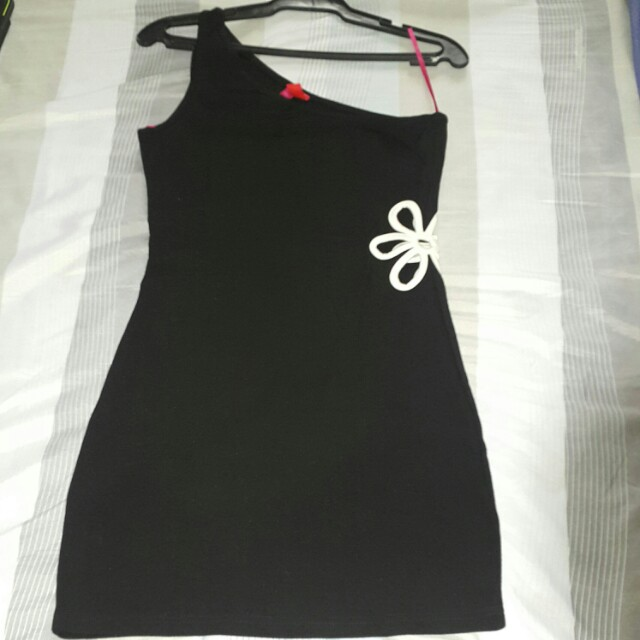 F21 exclusive black & white dress