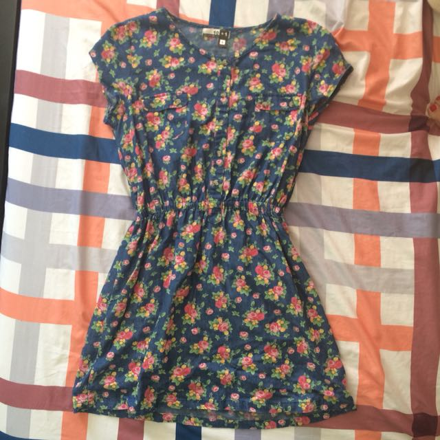 floral dress fits small to medium