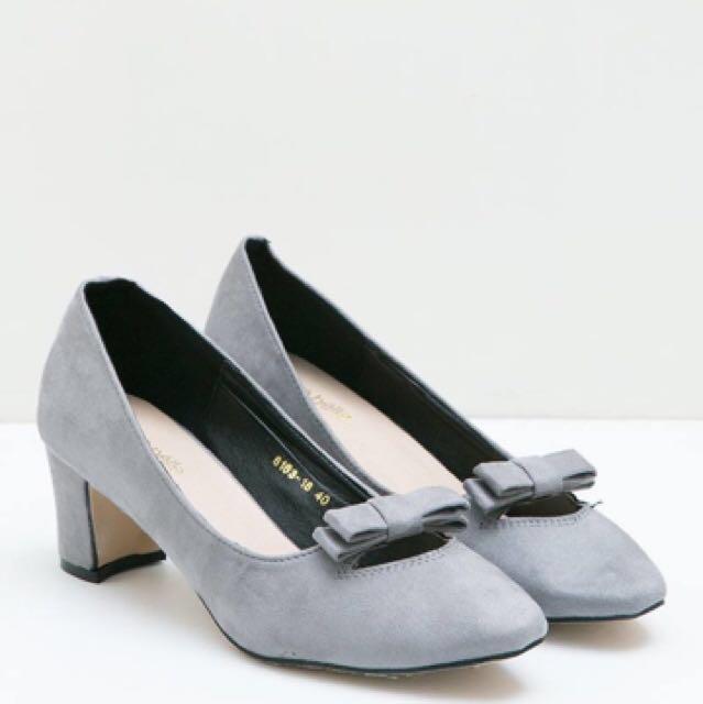 Heels gray berry benka