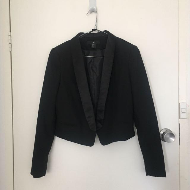 H&M black cropped blazer size 8