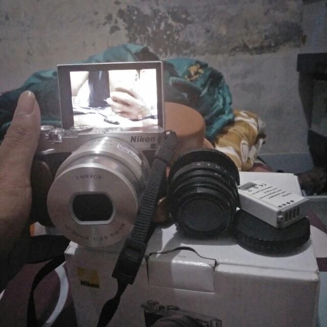 Kamera Mirorless Nikon J5 dengan lensa 10-30mm dan cctv 35mm