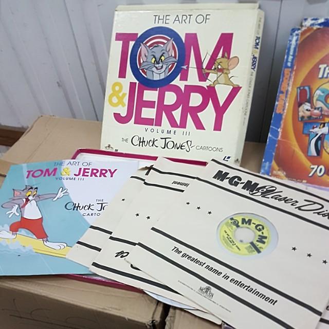 Laserdisc LD movies tom & jerry looney tunes, Music & Media