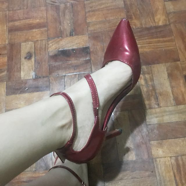 leaveland red high heels