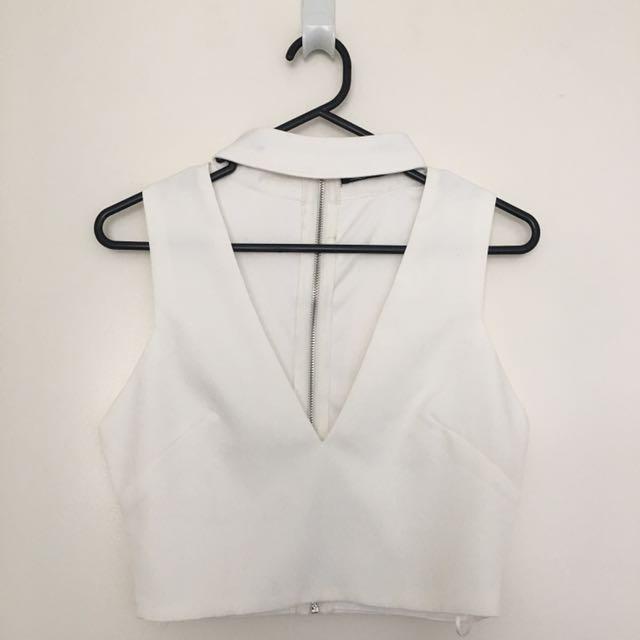 Luvalot white cropped v neck size 8
