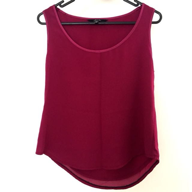 Max burgundy top size 12