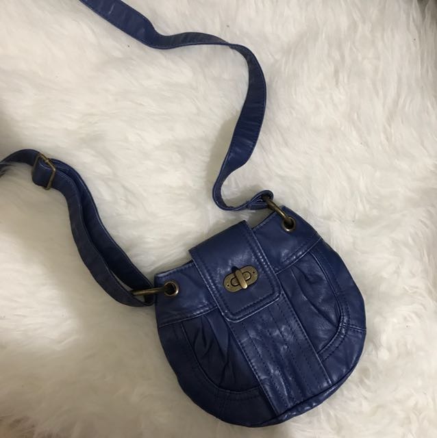 Mooloola blue bag