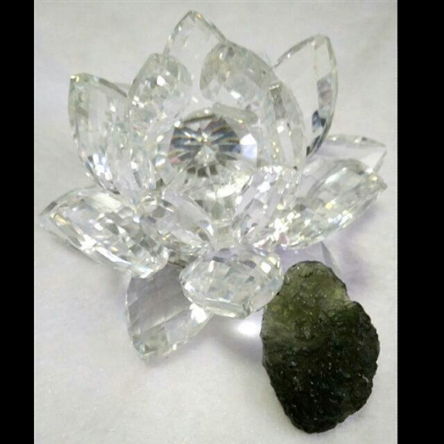 🎍🍍Natural Authentic Moldavite - Holy Grail Stone🎍🍍