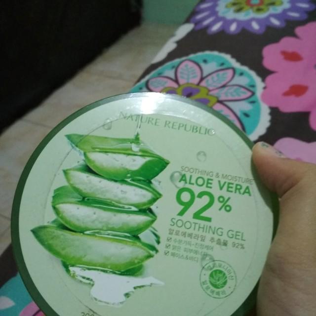 Nature Republic Aloe vera soothing gel 92%
