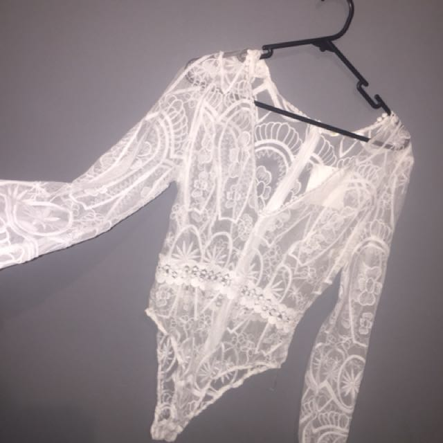 never worn white lace bodysuit