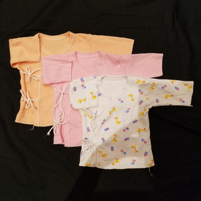 New born baby clothes x3