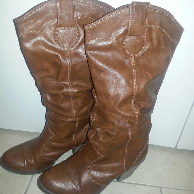 New cowgirl boots size 8