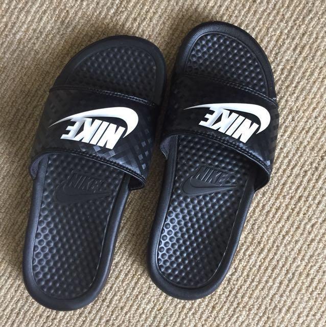Nike slides- size 6