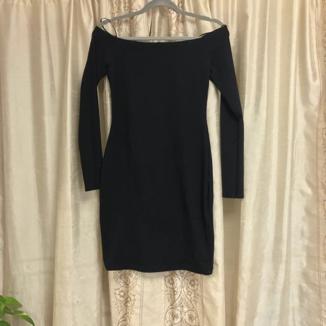 Off-the-shoulder Black Dress Size Small
