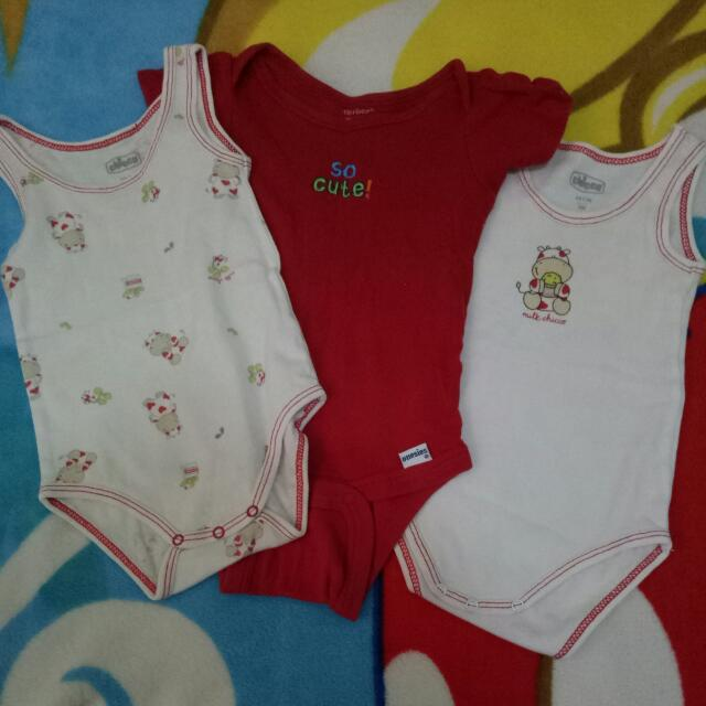 Chicco Onsies (0-3) months 3 for 100
