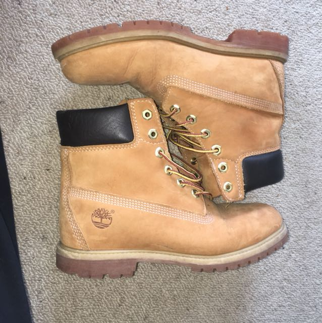ORIGINAL TIMBERLANDS SIZE 9 CHEAP