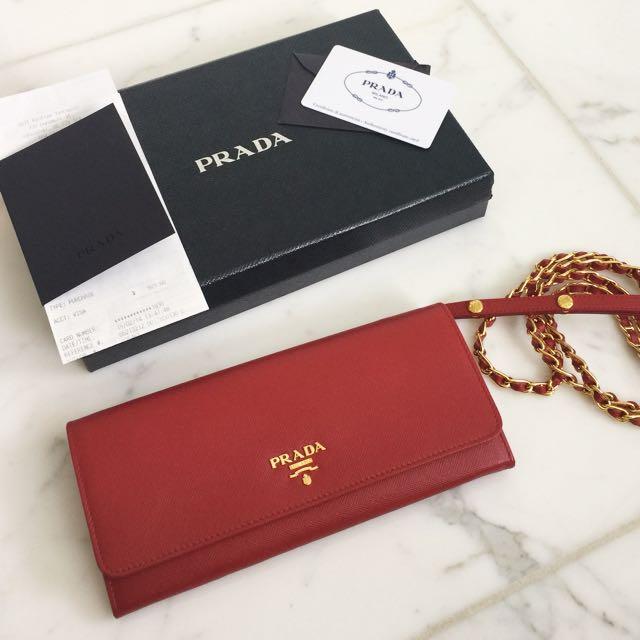 """Prada Saffiano Wallet on Chain in """"Fuogo"""""""