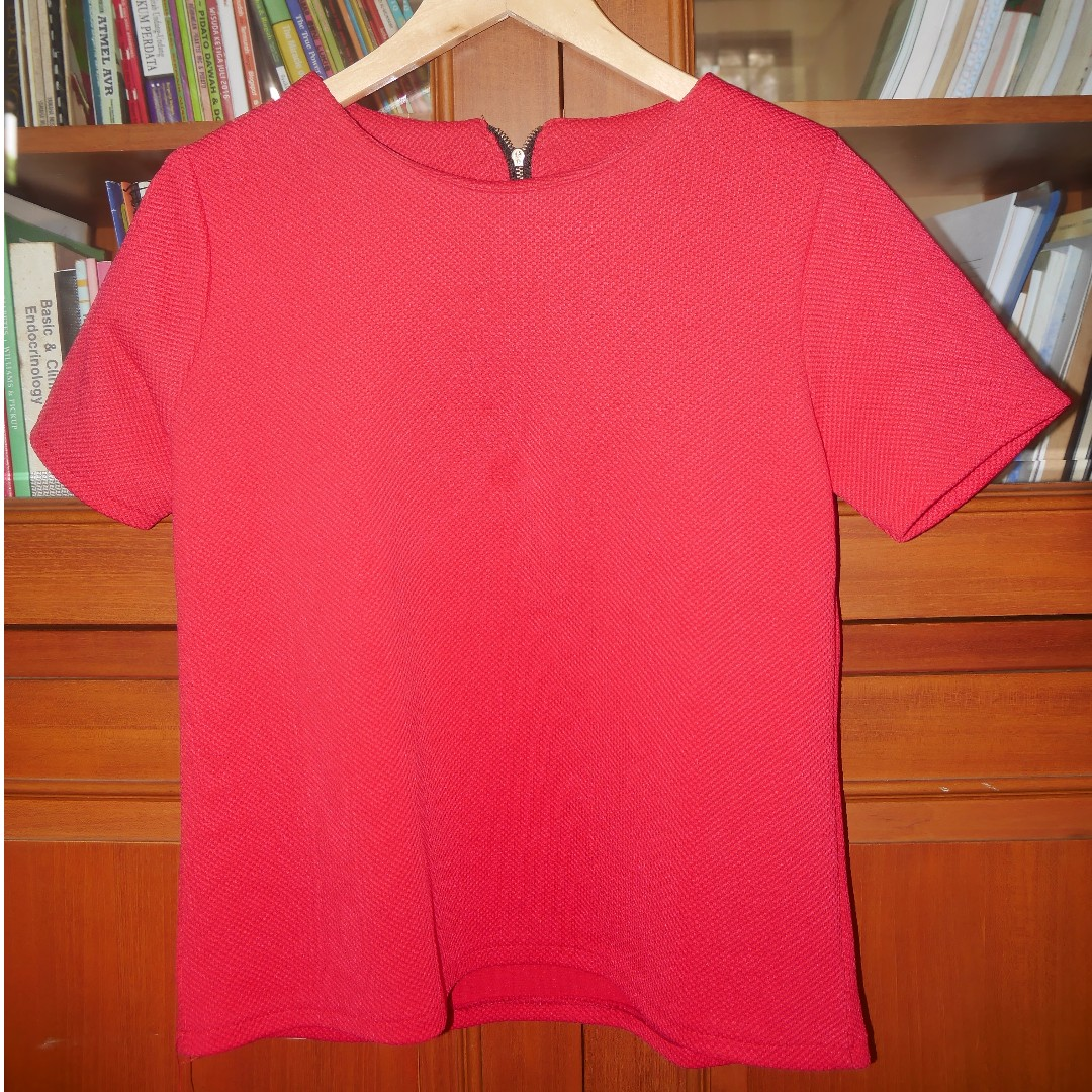 RED BLOUSE / SHORT SLEEVE