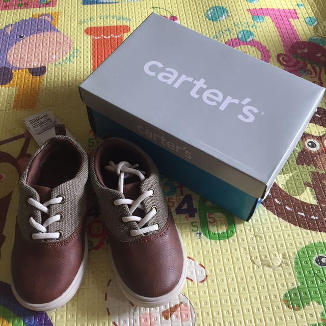 Sepatu anak Carters