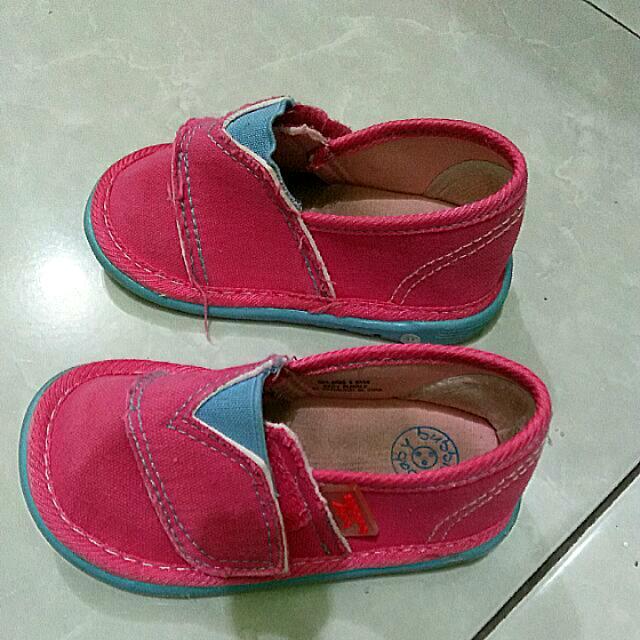 Sepatu Bata Bubble Size 20