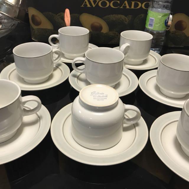 Set of 6 Stoneware coffee mugs and plates