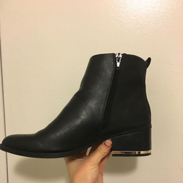 Size 9 Ankle Boot
