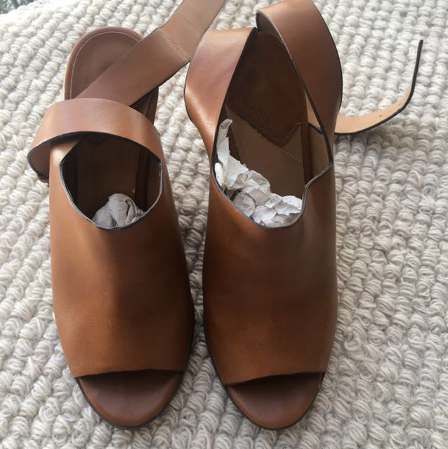 Stradivarius Camel Wedge