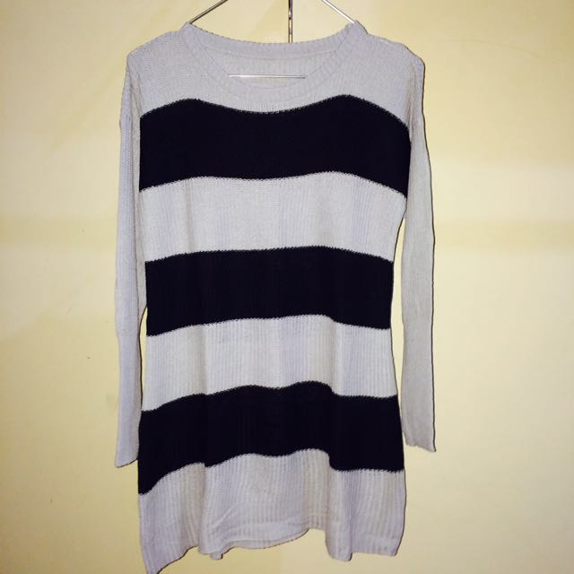 Sweater Rajut Strip Abu-Abu Hitam