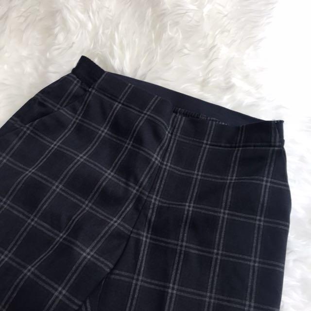 UNIQLO grid pants