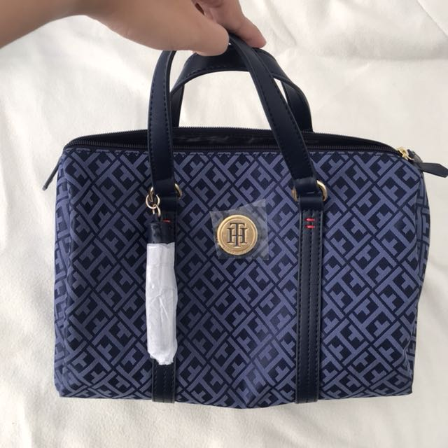 Us Authentic Tommy Hilfiger Bag Women S Fashion Bags Wallets On Carou