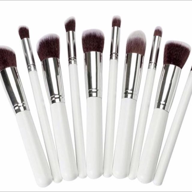 White Silver Synthetic Brush Set