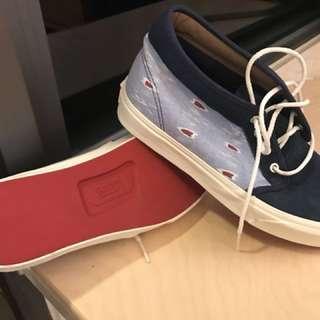 全新Van鞋42號