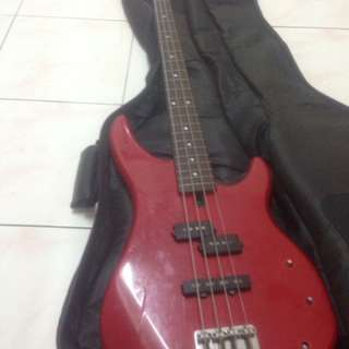 Bass guitar for sell