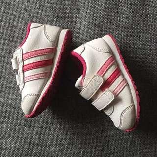 Adidas girls shoes size 5