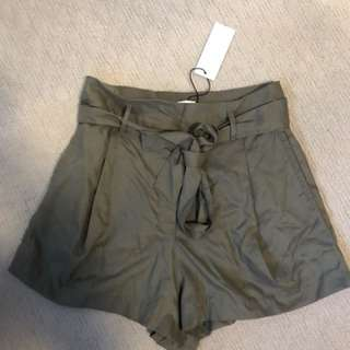 Sheike khaki shorts size 10 new with tags