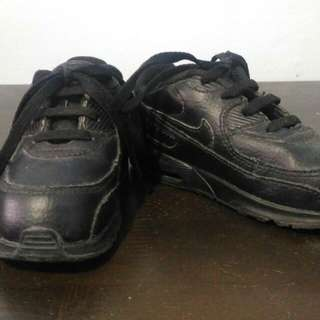 Nike Airmax for boys ages 2 to 3