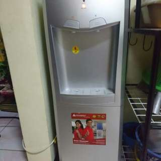 Hanabishi water dispenser
