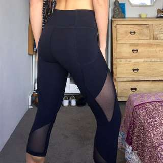 LULU LEMON TIGHTS - M