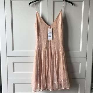 BRAND NEW KEEPSAKE DRESS