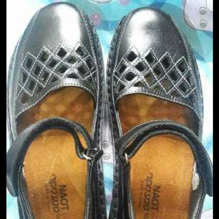 Naot leather shoes