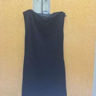 黑色素面性感小洋裝