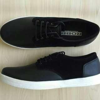 Sepatu Pria Casual or Sneaker Baru