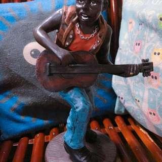 🚚 出清 黑人彈吉他 園藝/居家裝飾
