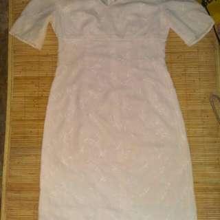 Dress vintage white broken