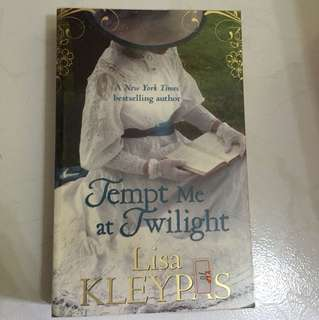 "Lisa Kleypas ""Tempt me at twilight"""