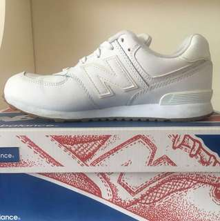 New Balance White Lace Up Shows