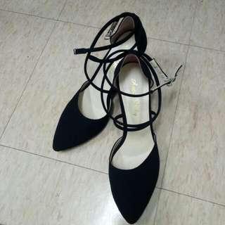百搭黑包鞋