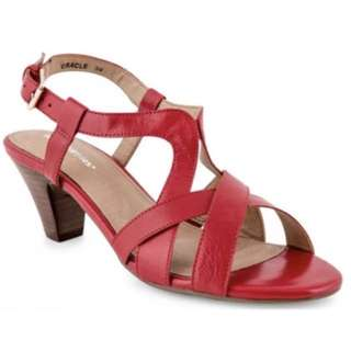 Brand new red leather hush puppies sandals size 40eur 9au