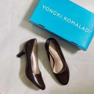 Yongki Komaladi Brown Heels
